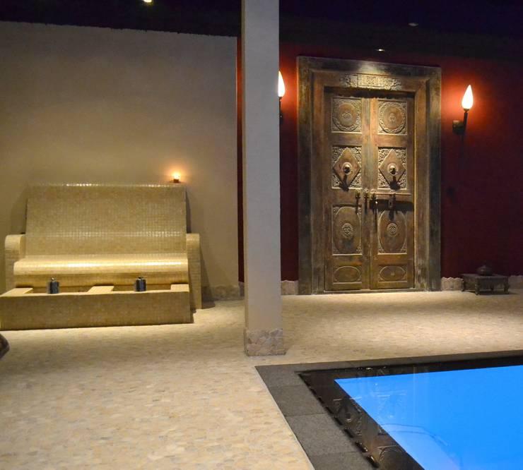 Kolam Renang oleh RON Stappenbelt, Interiordesign, Asia