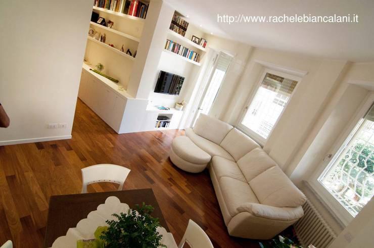 Gianicolo - Rome: Soggiorno in stile  di Rachele Biancalani Studio