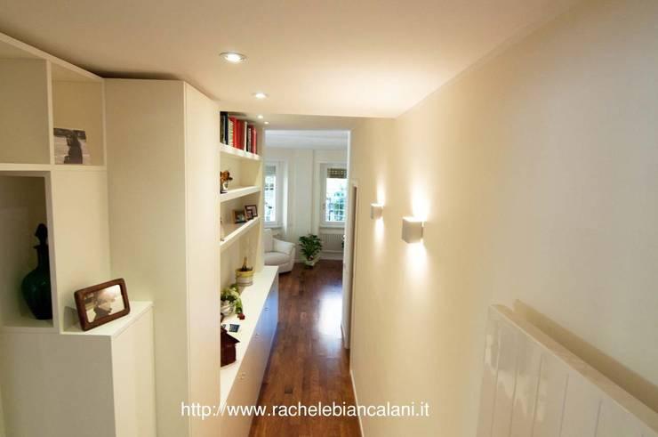 Gianicolo - Rome: Ingresso & Corridoio in stile  di Rachele Biancalani Studio