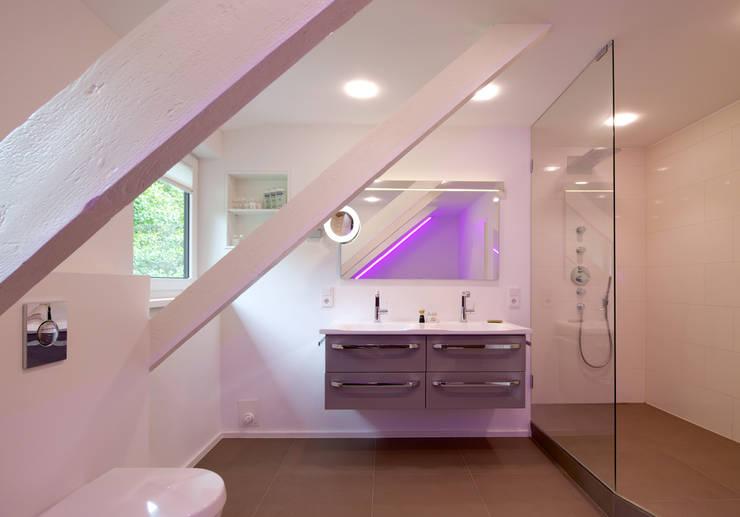 Ванные комнаты в . Автор – GRID architektur + design
