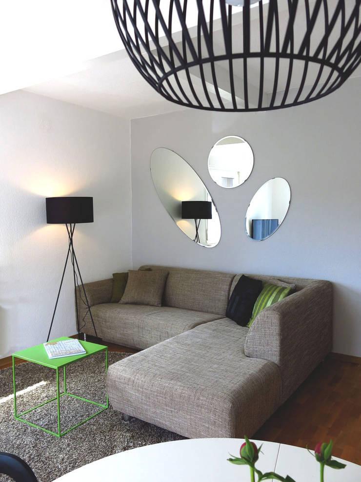 Wohnzimmer:  Wohnzimmer von Holzer & Friedrich GbR,