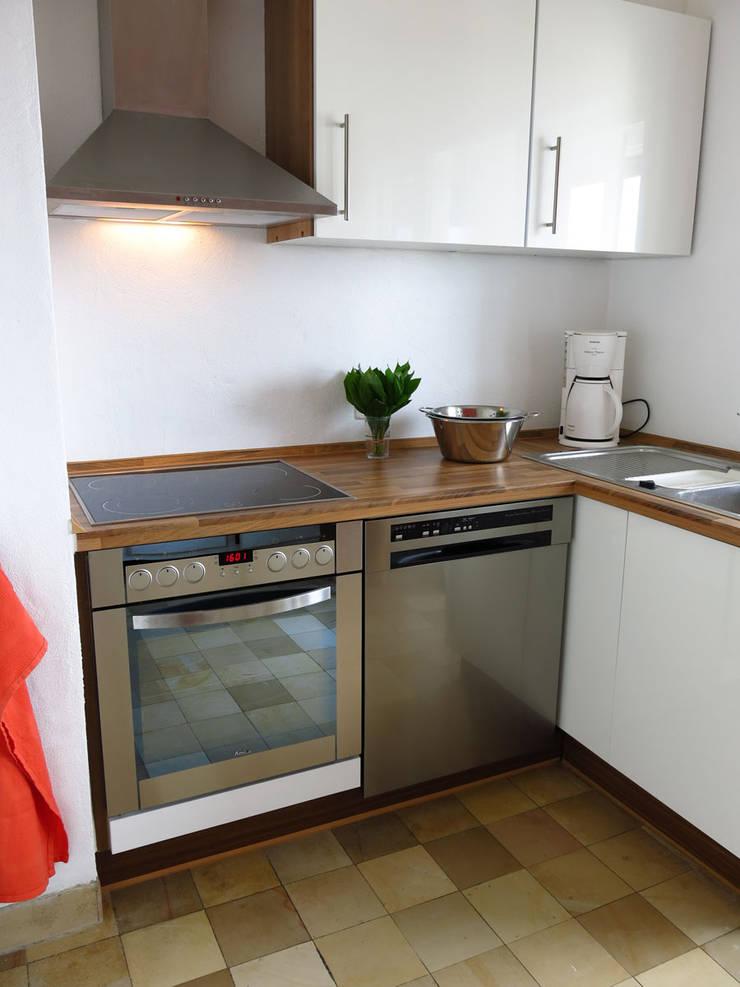Apartment FR01:  Wohnzimmer von Holzer & Friedrich GbR,