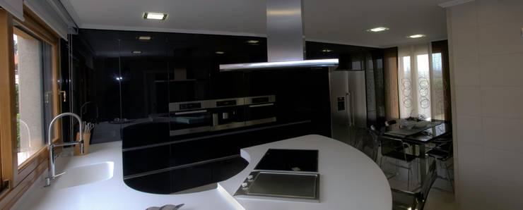 moderne Küche von Cocinas Ricardo