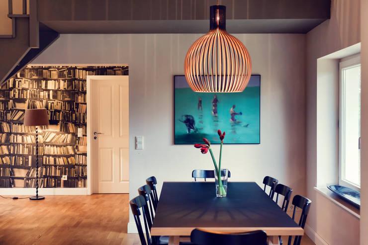 Seehaus:  Wohnzimmer von Heike Gebhard Wohnen