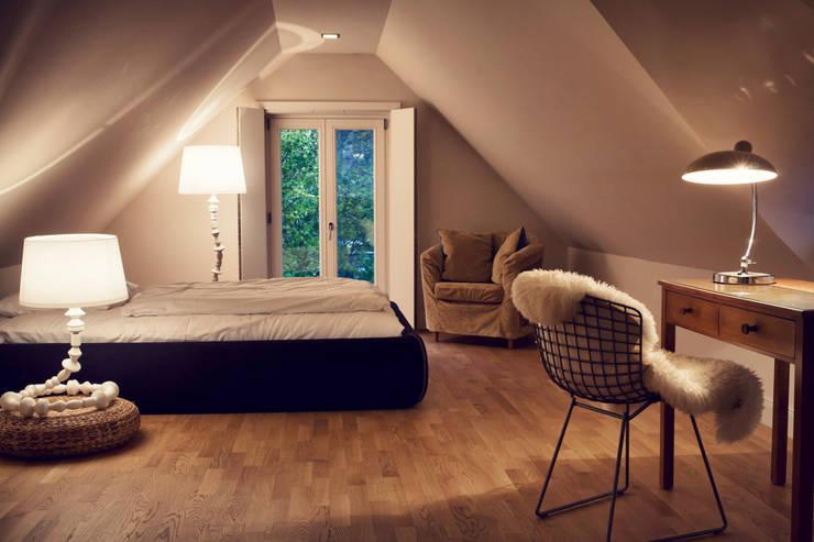 Seehaus:  Schlafzimmer von Heike Gebhard Wohnen