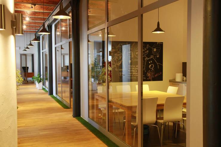 อาคารสำนักงาน ร้านค้า by ks-raumgestaltung