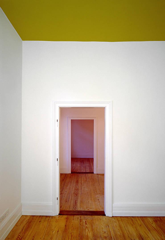 Nursery/kid's room by Architektur Sommerkamp,