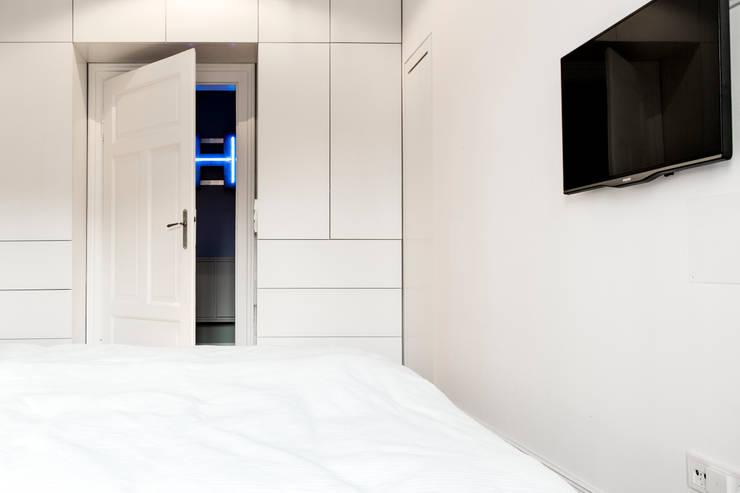 moderne Slaapkamer door BESPOKE GmbH // Interior Design & Production