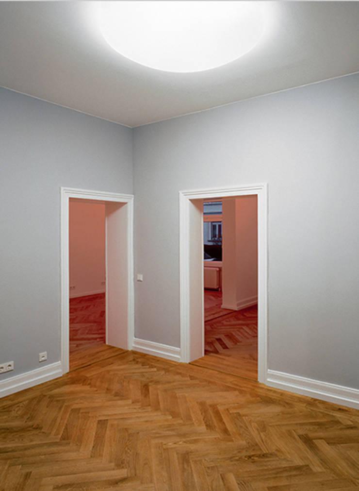 Corridor & hallway by Architektur Sommerkamp,