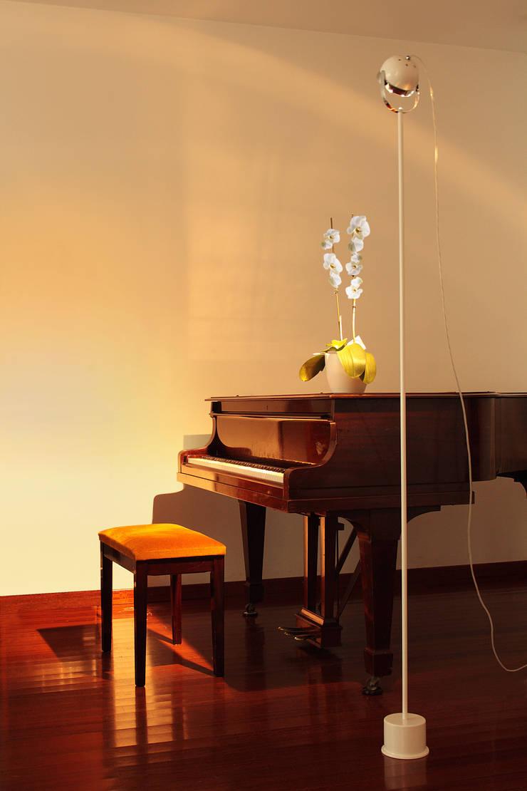 Boogie: Habitaciones infantiles de estilo  de Luz Difusion