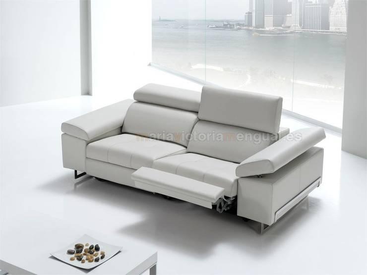 Sofá con motor: Salones de estilo moderno de MUMARQ ARQUITECTURA E INTERIORISMO