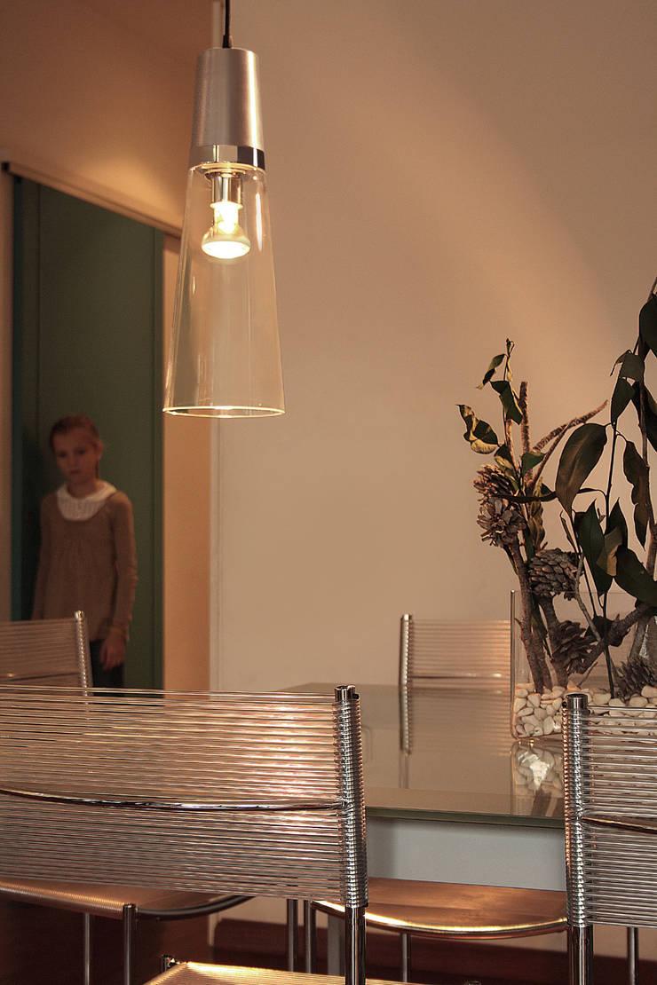 Eau de T.: Estudio de estilo  de Luz Difusion