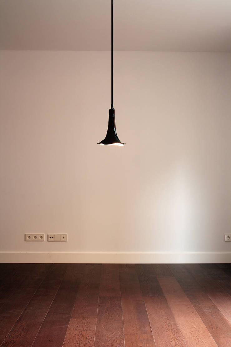 Bruja: Estudio de estilo  de Luz Difusion