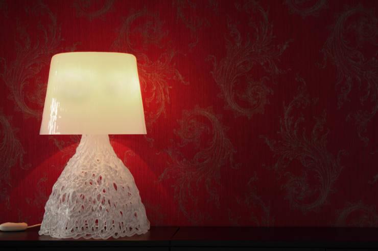 Snow & Larsson: Dormitorios de estilo  de Luz Difusion
