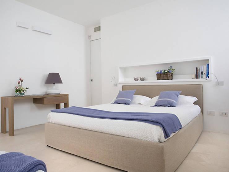 Dormitorios de estilo  de sebastiano canzano architetto