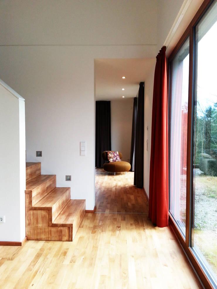 Koridor dan lorong by Architekturbüro HOFFMANN