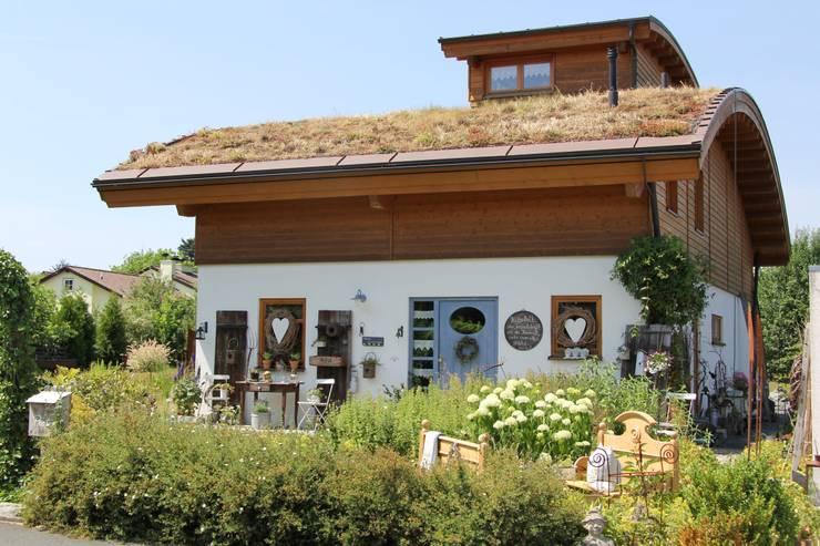 บ้านและที่อยู่อาศัย by Architekturbüro HOFFMANN