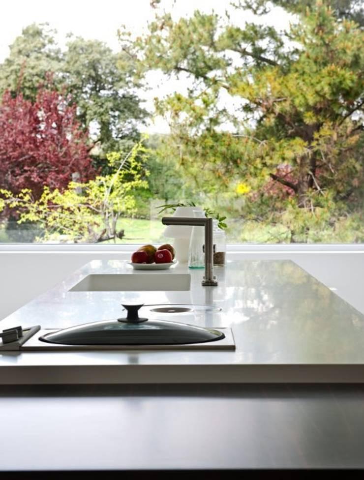ห้องครัว by Bernadó Luxury Houses