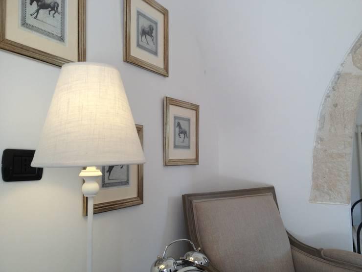 ห้องนั่งเล่น by Atmosfere d'interni