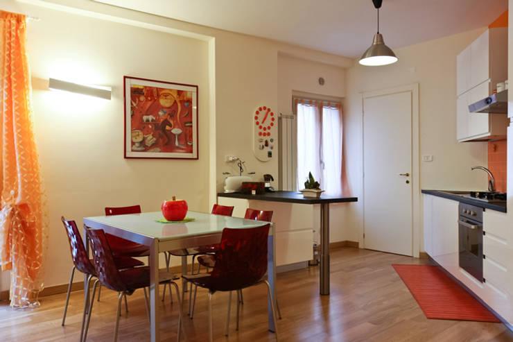 CASA LEONARDO E GIOIA: Cucina in stile in stile Moderno di Alessio Patalocco Architetto