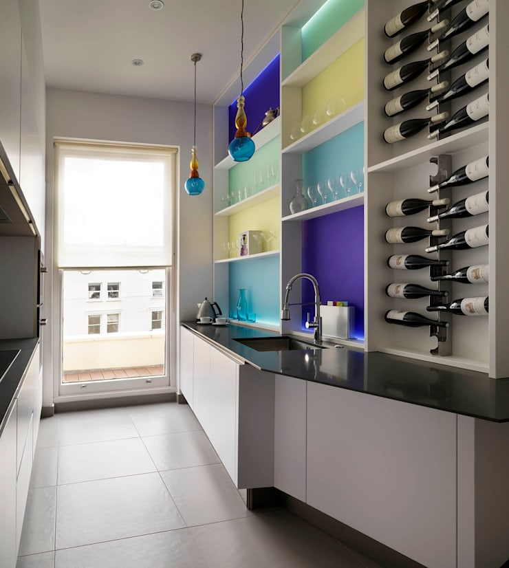 Belsize Park Gardens:  Kitchen by Living in Space