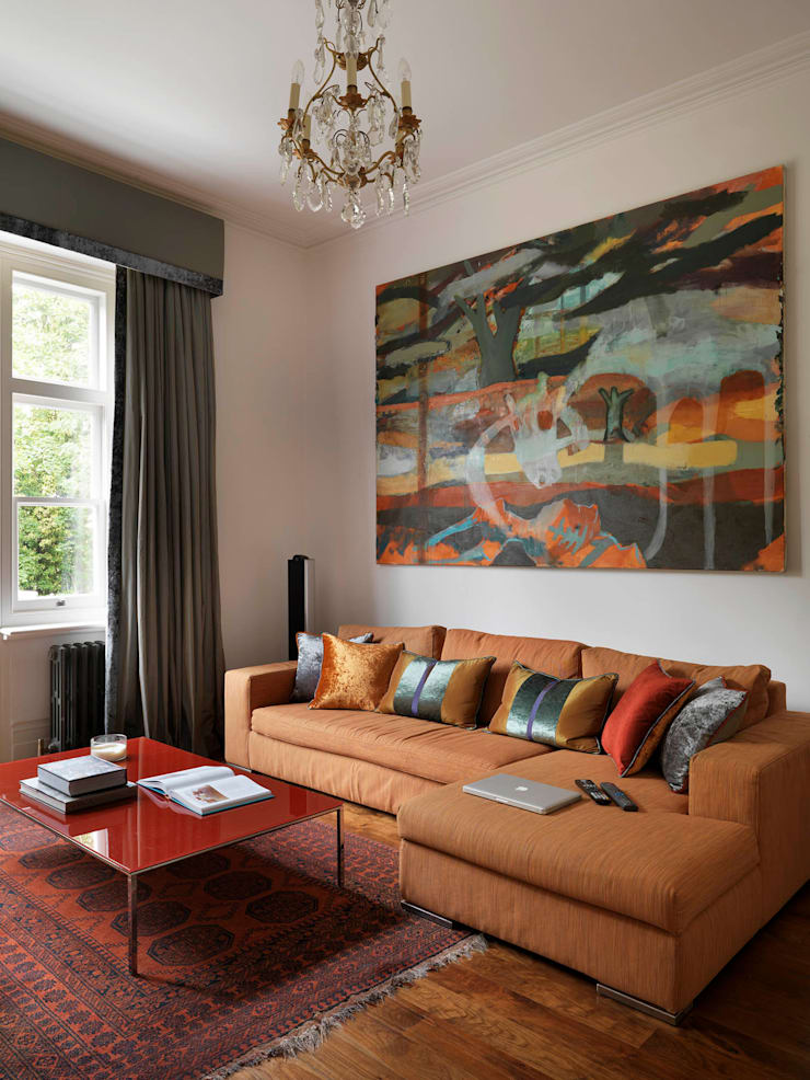 Belsize Park Gardens:  Living room by Living in Space