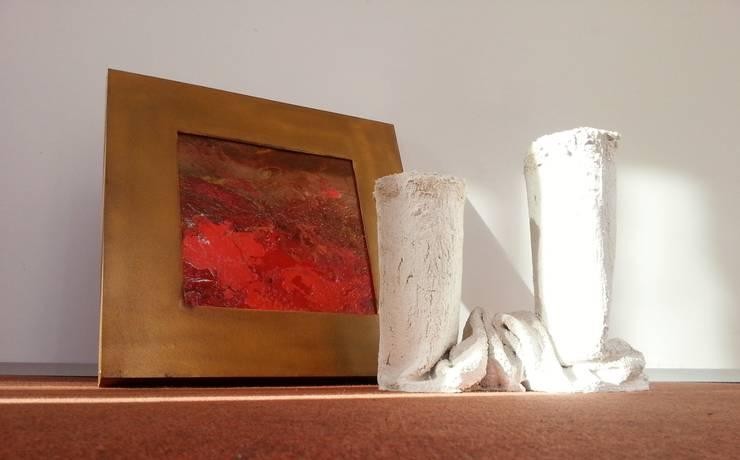 Vaso da fiori in tessuto cementato n°3-2013: Balcone, Veranda & Terrazzo in stile  di Architetto Daniele Stiavetti