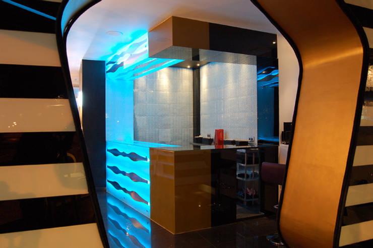 Restaurante Asiático Mütte: Locales gastronómicos de estilo  de Arquitectura de Interior