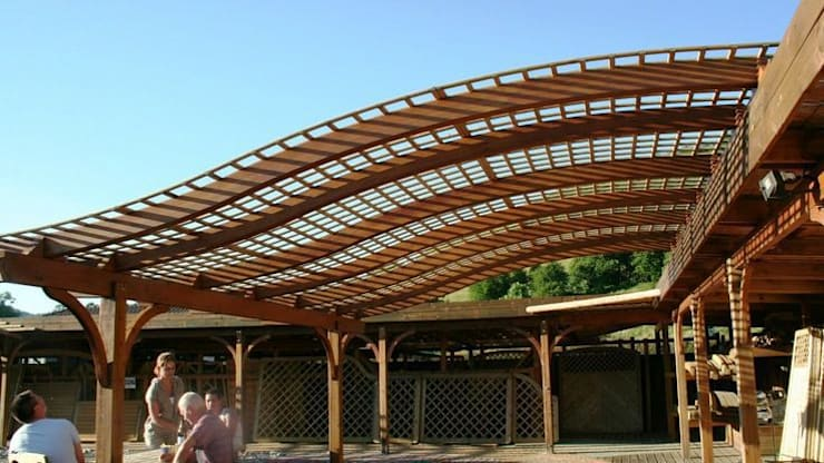 ​S-line Pergola :  Garden by EcoCurves - Bespoke Glulam Timber Arches