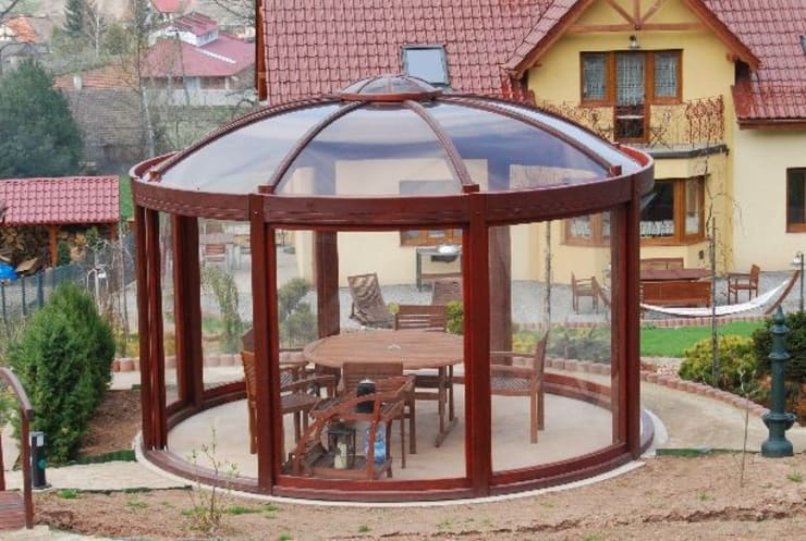 Balneo SPA:  Garden by EcoCurves - Bespoke Glulam Timber Arches