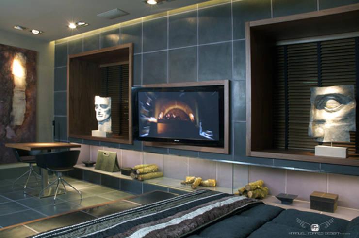 ART SUITE HOTEL: Spa de estilo  de MANUEL TORRES DESIGN