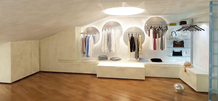 WALK IN CLOSET: Camera da letto in stile in stile Moderno di maurococco.it