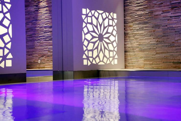 Spa by Studio D73, Modern