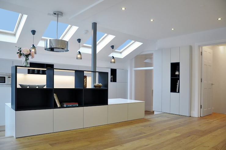North London Kitchen in New Side/Rear Extension:  Kitchen by Studio TO