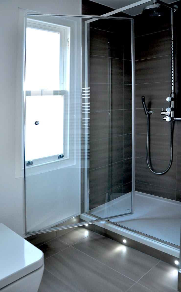 Large Main Bathroom Redesign:  Bathroom by Studio TO