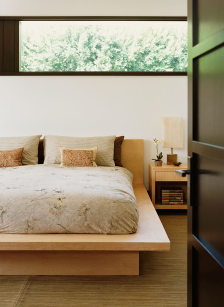 Malibu (Los Angeles):  Bedroom by Lewis & Co
