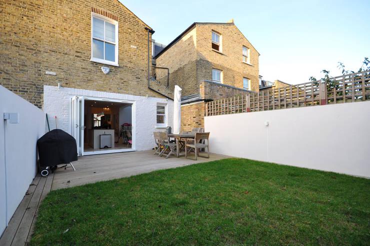 Fulham 1:  Garden by MDSX Contractors Ltd