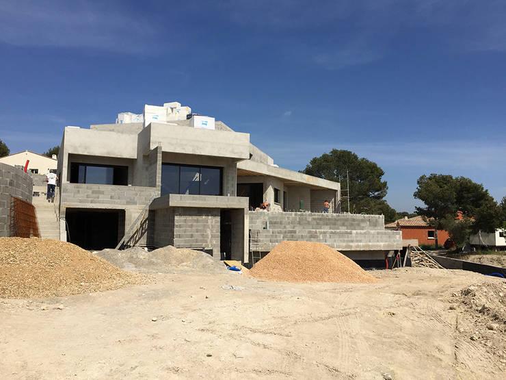 Villa Gaïa - Chantier: Maisons de style de style Moderne par MAAD Architectes