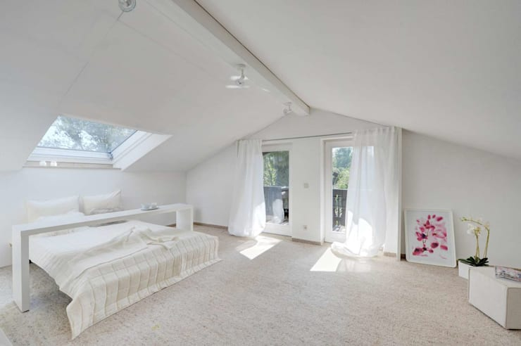 Bedroom by Münchner home staging Agentur GESCHKA