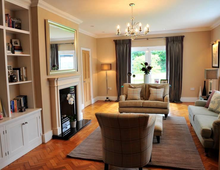 ashurst:  Living room by jaimie k designs ltd