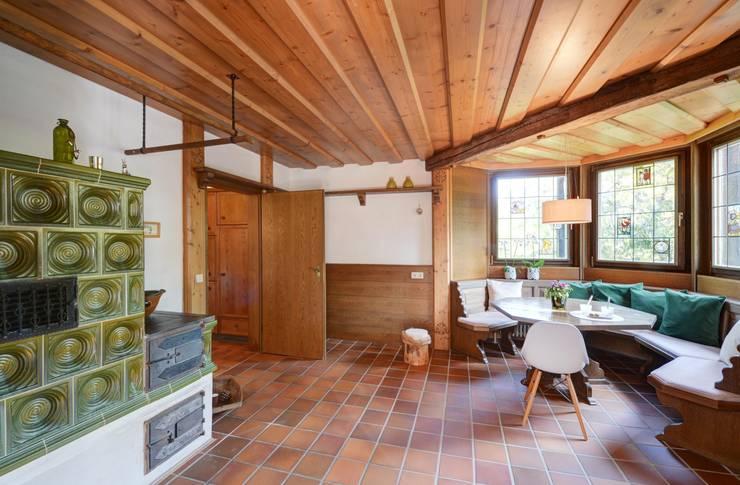 country Kitchen by Münchner home staging Agentur GESCHKA