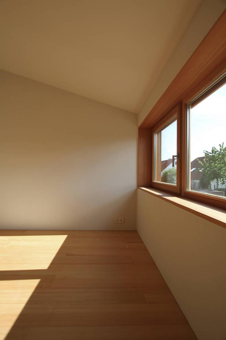 modern Nursery/kid's room by architekturbüro axel baudendistel