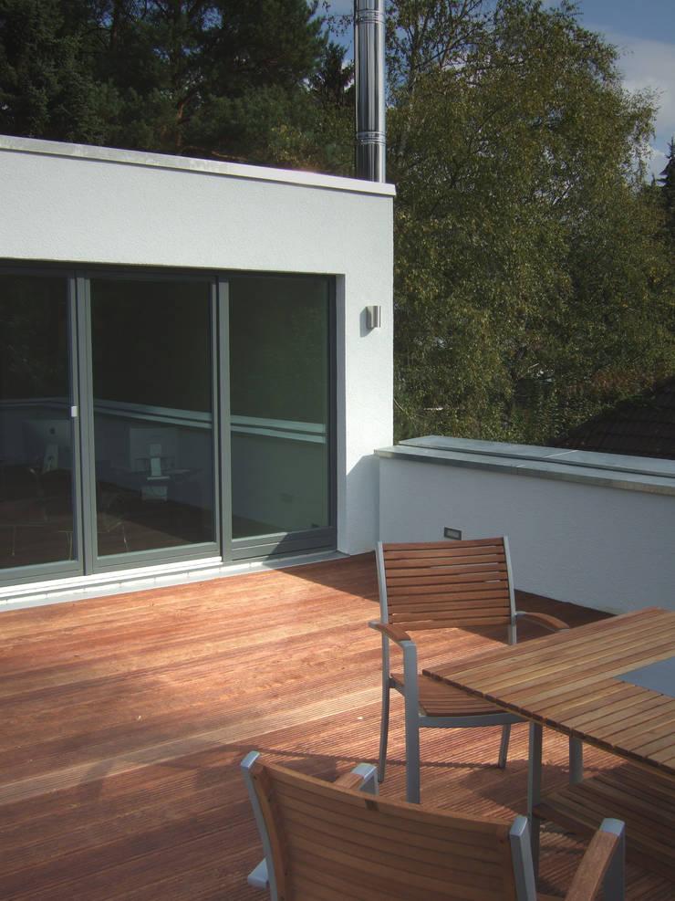 Terrazas de estilo  por zymara und loitzenbauer architekten bda