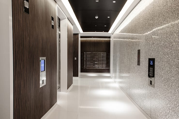 The Heron - Main reception area with floor to ceiling White Lip and Black Lip Four Sided Crazy Pattern Mother of Pearl Wall Panels:  Corridor & hallway by ShellShock Designs