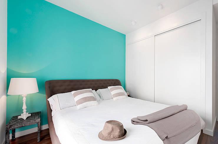 VIVIENDA EN RUZAFA (VALENCIA): Dormitorios de estilo  de Cota Cero Interiorismo