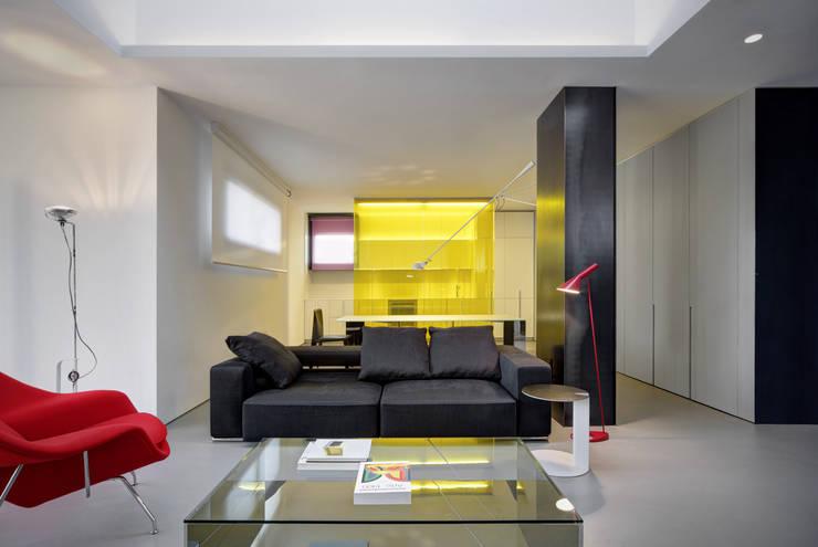 Salas de estar  por Buratti + Battiston Architects