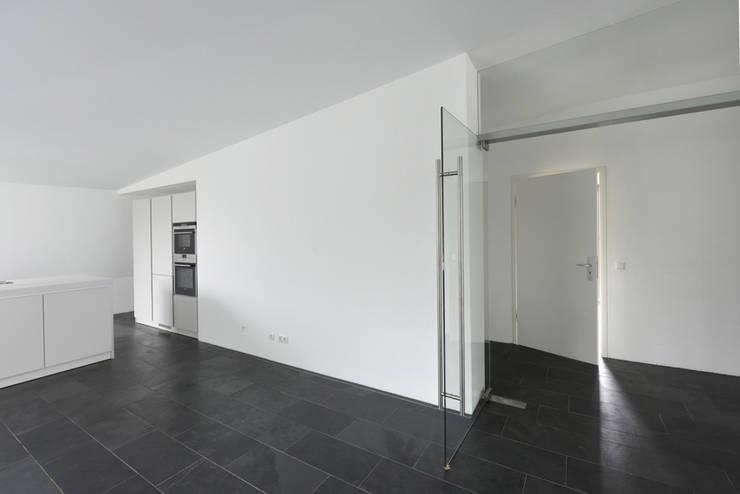 Cucina in stile  di and8 Architekten Aisslinger + Bracht