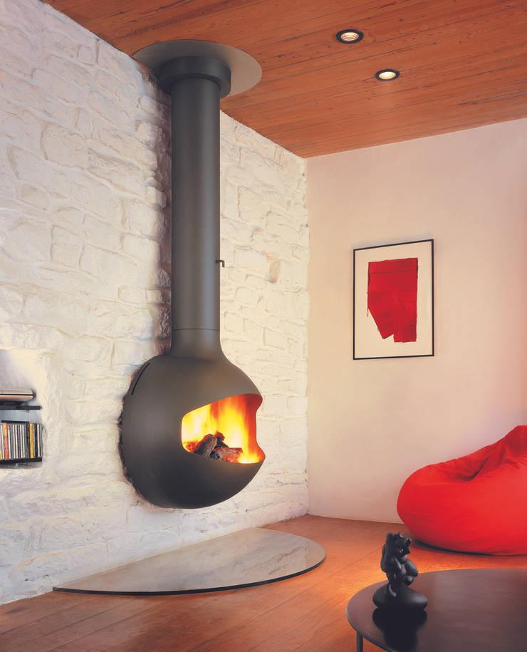 Emifocus Open DV: modern Living room by Diligence International Ltd