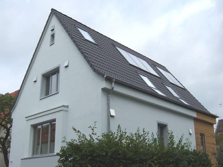 modern Houses by zymara und loitzenbauer architekten bda
