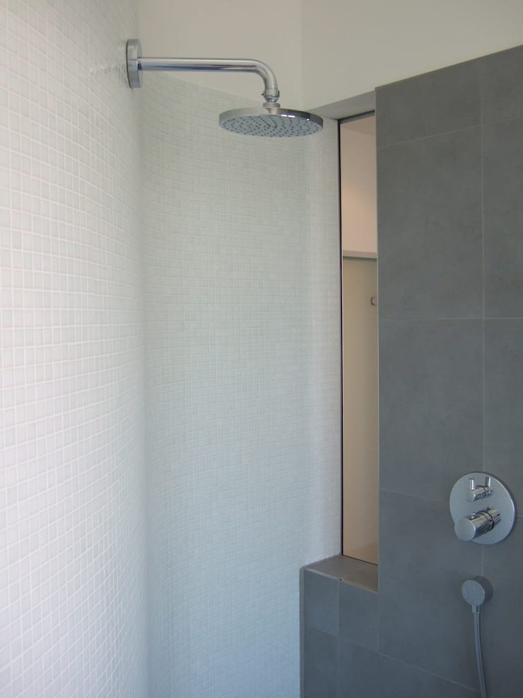 浴室 by zymara und loitzenbauer architekten bda